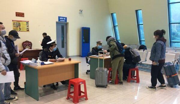 Từ 15h ngày 23/2:Hành khách nhập cảnh từ Hàn Quốc vào Việt Nam bắt buộc phải khai báo y tế