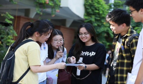 Tư vấn hướng nghiệp: Học sinh THPT nên chọn ngành nghề học như thế nào?