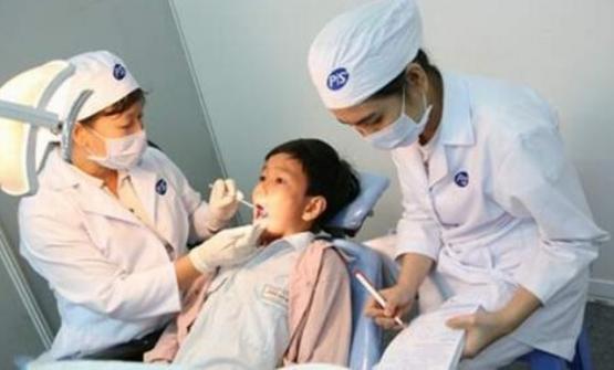 Bệnh sâu răng ở lứa tuổi học đường