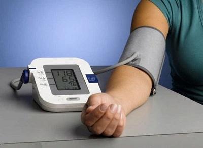 Người bệnh tăng huyết áp cần hạn chế các thực phẩm sau