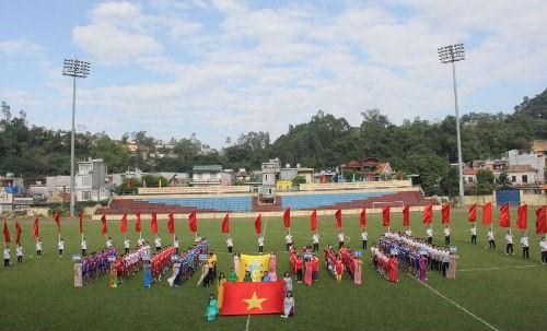 Khai mạc Giải bóng đá Sinh viên Cao đẳng Y Dược Tuệ Tĩnh Hà Nội lần thứ 10